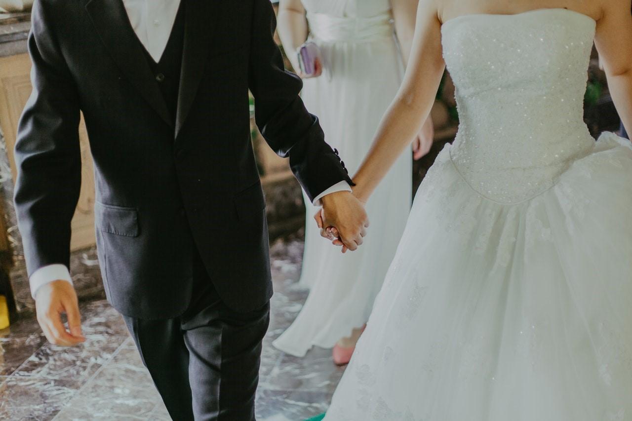 Organiseer jij een bruiloft? Huur een stretchtent!